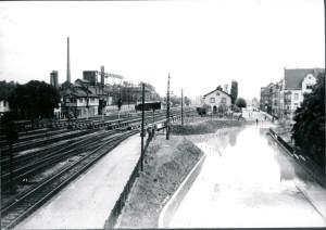 VES,Vereinigte Eisenbahnsignalwerke (später Siemens).