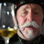 Pipe Major Peter Kunz aus Forst ist Whisky-Sammler