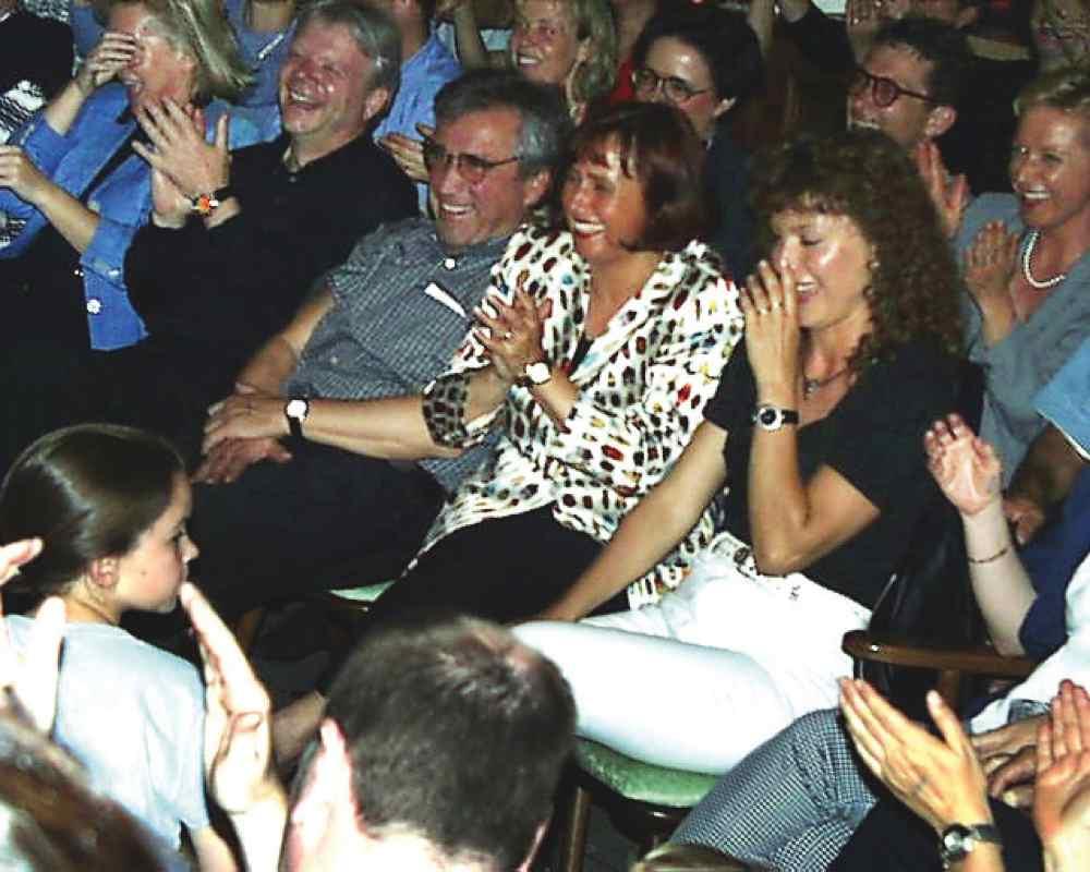 Lachendes Publikum | Willi die Bühne