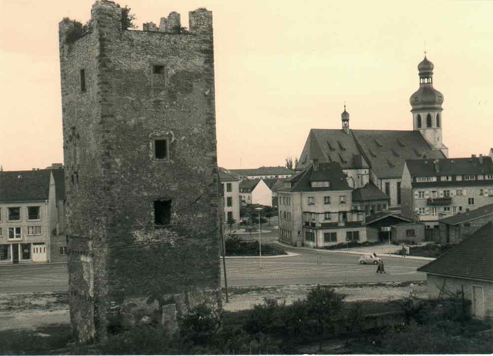 Zerstörter Bergfried im Jahr 1958