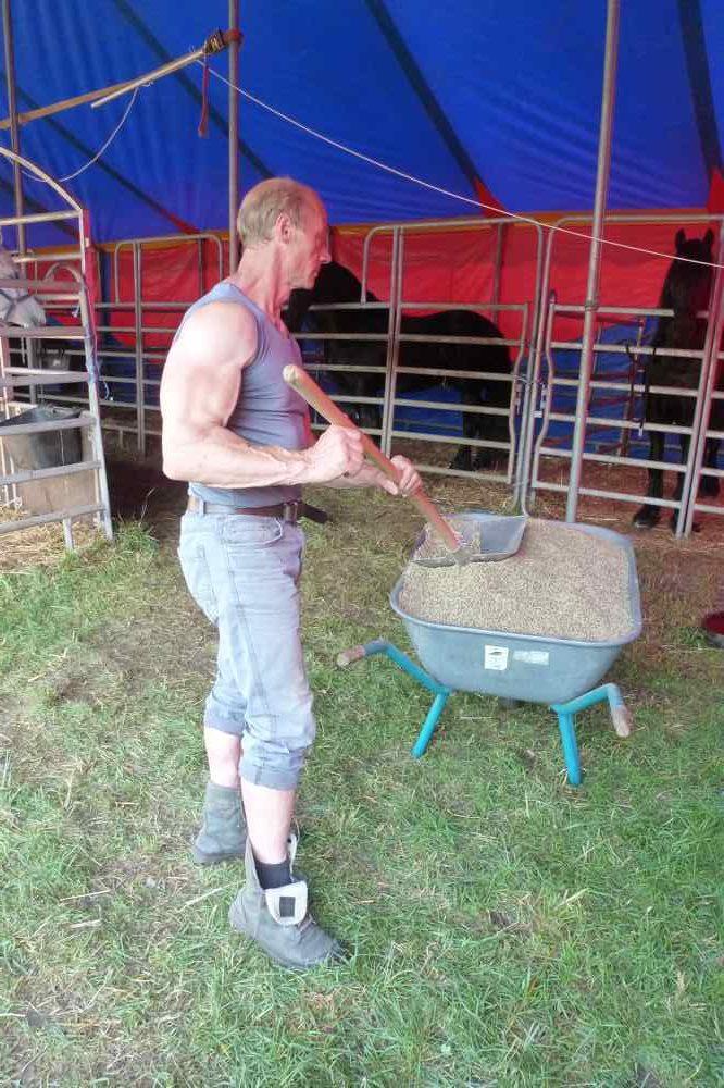 Tierfütterung | Nanjas Papa Harry