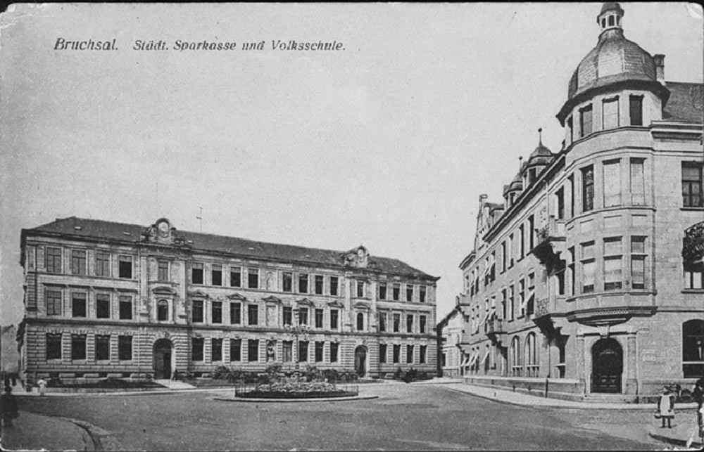 Städtische Sparkasse und Mozartschule | vor Zerstörung