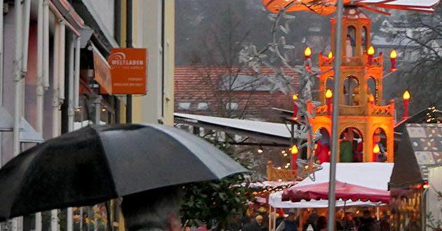 Weihnachtsmarkt-Bruchsal-Regen1