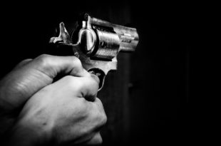 symbolbild-pistole-Gewalt-Mord