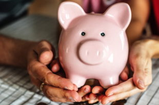 symbolbild-geld-sparen-sparschwein