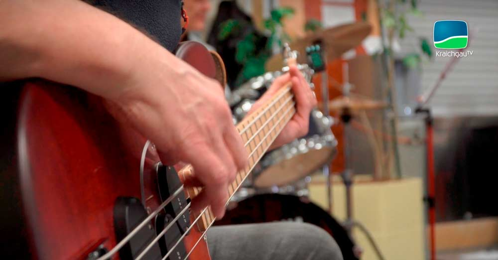 Big-Band-Landratsamt-Gitarre Musiker