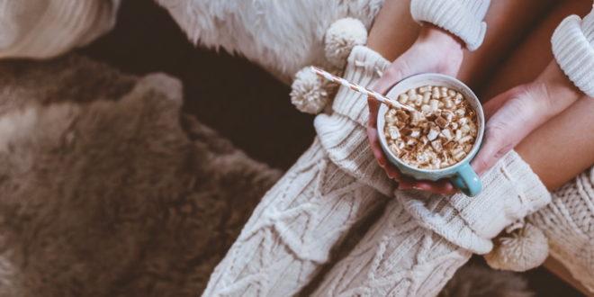 Hygge | gemütlich | Wollsocken | Heiße Schokolade | Marshmallows | Winter