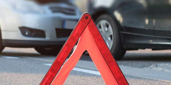 Symbolbild_Auto_Unfall_unscharf_Blechschaden