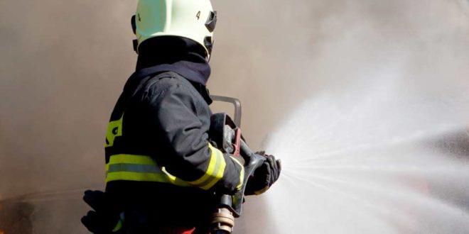 Symbolbild_Feuerwehr_Brand_Löschwasser