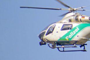 Symbolbild_Suche_Polizeihubschrauber-im-Flug-nahe-muc