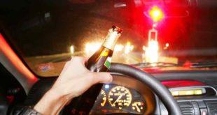 ss_100176341 Waghäusel Alkohol Unfall Baum Promille Führerschein