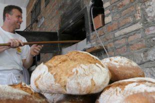 Backtag-Gochsheim Bäckermuseum-Gochsheim Backtag Gochsheim Brot Backen Bäcker