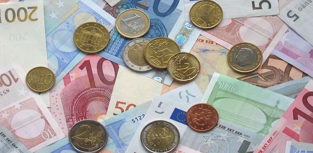 Geld Euro Cent reich Geldscheine