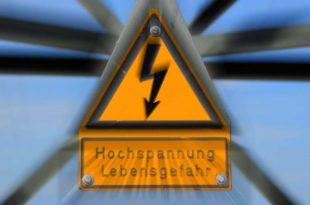 Schild Warnung vor Hochspannung