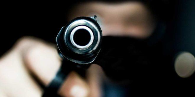 Pistole Gangster Überfall