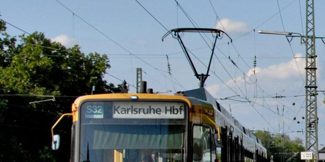Stadtbahn KVV Nahverkehr Zug Bahn Strom Oberleitung