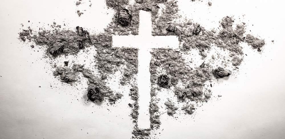 Kirche, Kreuz, Asche