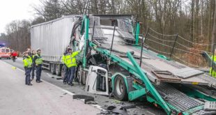2020-03-11-Unfall-Forst-LKW