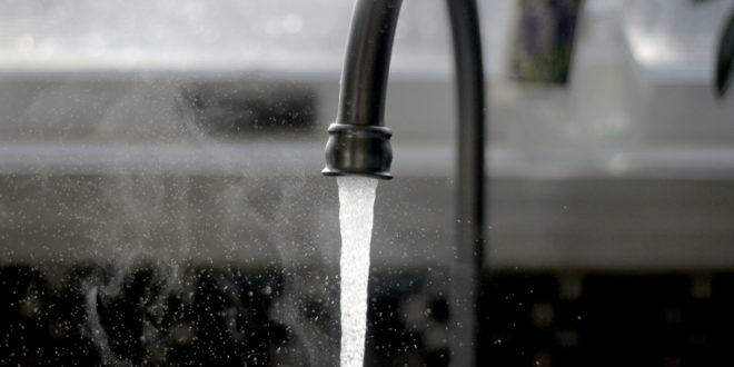 Wasser Wasserhahn Trinkwasser