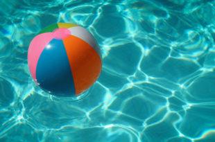 Wasser Pool Freibad Schwimmbad schwimmen Sommer