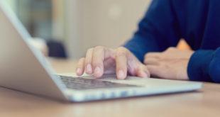 Computer Laptop Internet surfen Recherche arbeiten Home-Office