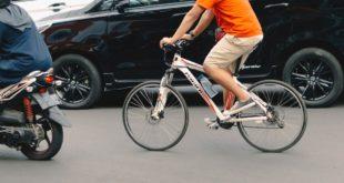 Rad Fahrrad Verkehr radfahren Auto Stadt