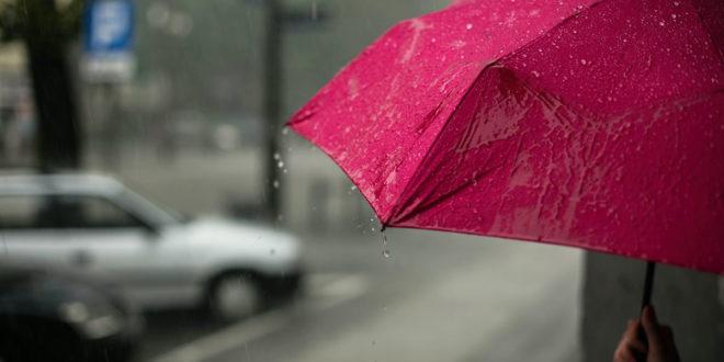 Regen Regenschirm nass Wetter Gewitter