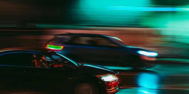 Symbolbild-Auto-Autorennen-Geschwindigkeit